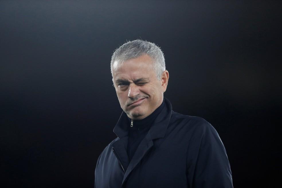 Jose Mourinho recebeu um afago de Ranieri — Foto: Reuters/Matthew