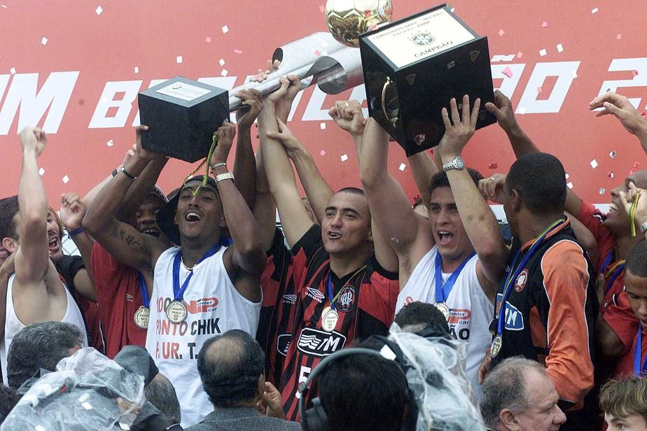 Quiz O Que Voce Sabe Sobre O Titulo Do Athletico No Campeonato Brasileiro De 2001 Faca O Teste Athletico Pr Ge