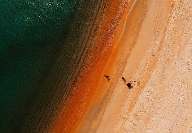 As causas da perda de terra incluem também o aumento do nível do mar e a erosão costeira (Foto: Pexels)