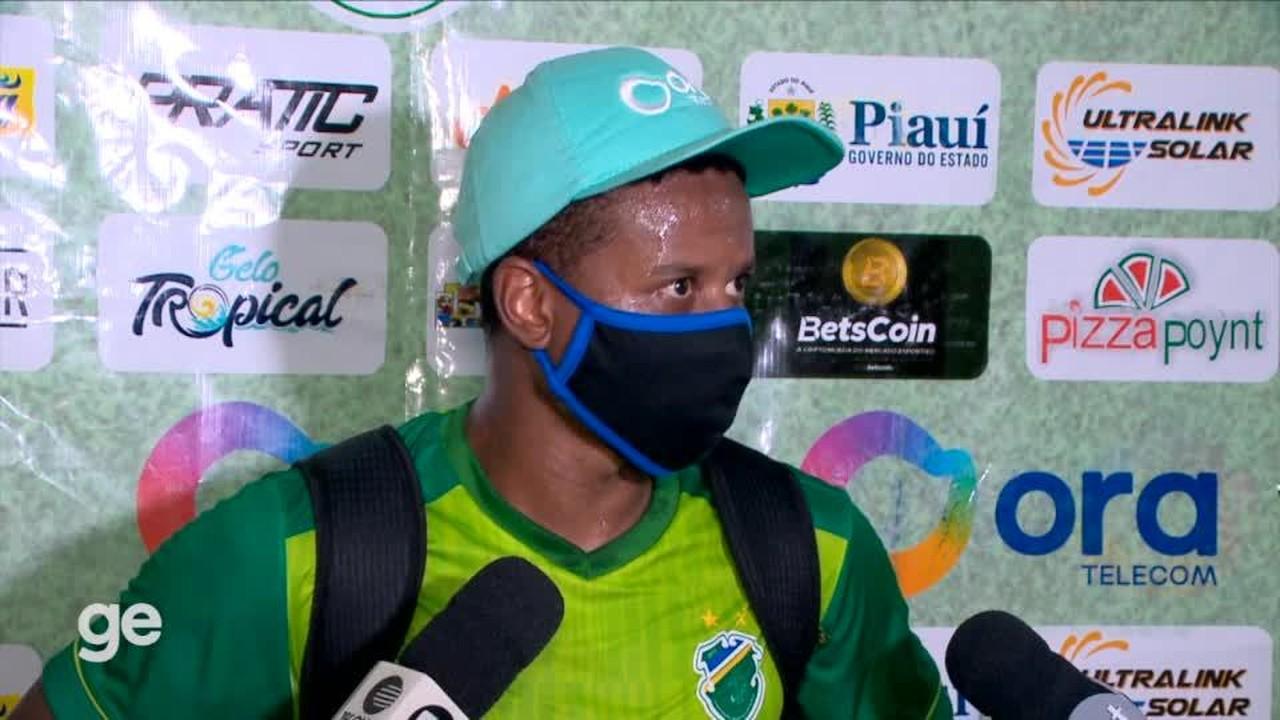 Juninho diz que estava envergonhado com 3 derrotas e defende Tonet: 'Toda confiança'