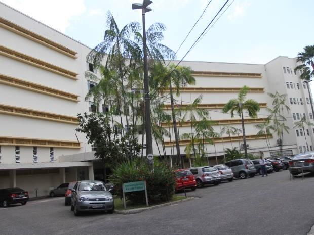 Detento abre algema com objeto de plástico e foge de hospital em Belém - Notícias - Plantão Diário