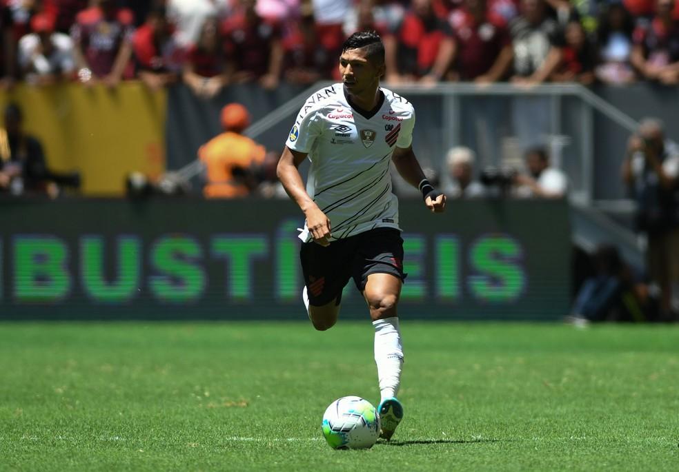 Rony tem renovação com o Athletico emperrada — Foto: Divulgação/Athletico