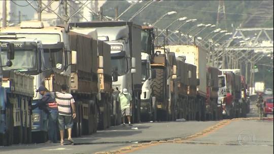 Paralisação de caminhoneiros gera reflexos no campo