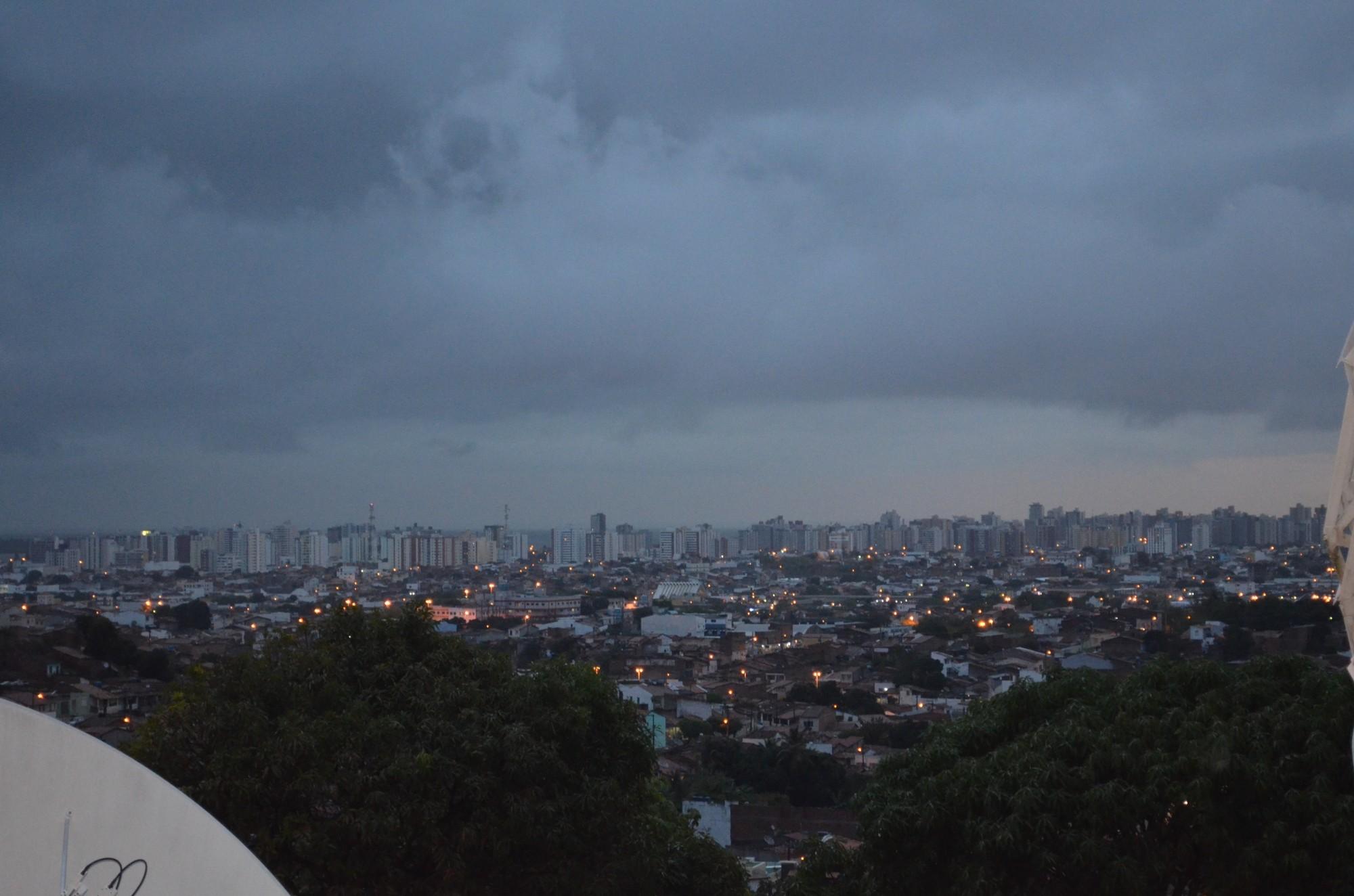 Volume de chuva em Aracaju está dentro do esperado, mas ventos fortes preocupam, diz defesa Civil