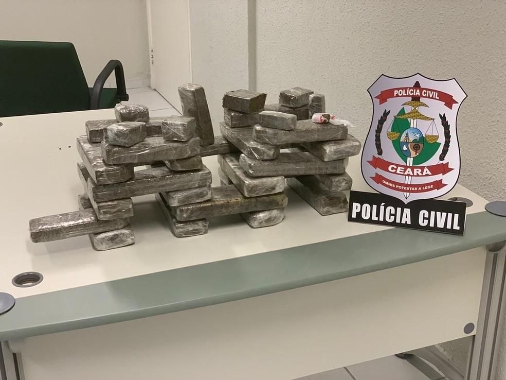 20 kg de maconha foram apreendidos com os suspeitos. — Foto: Divulgação/ Polícia Civil