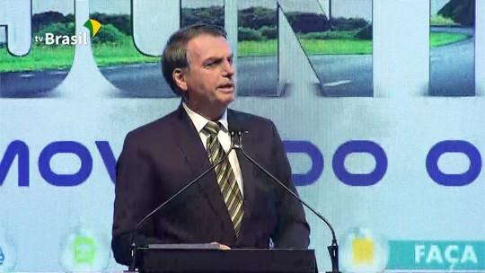 'Pretendo passar muitas atribuições do Estado Brasil para os estados', diz Bolsonaro