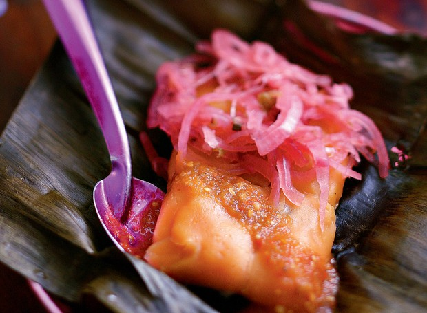 cebola escabeche |  para comer sobre os tamales (Foto: Rogério Voltan)
