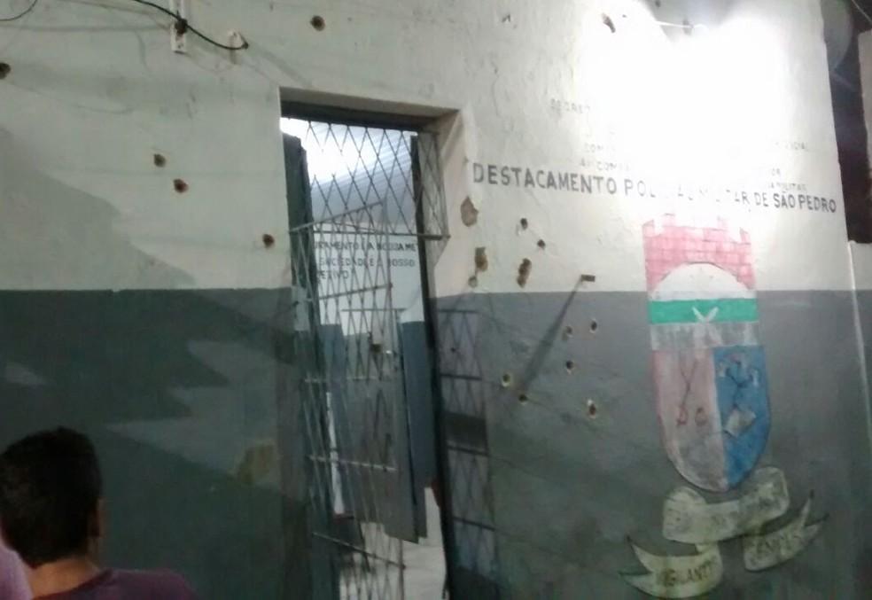 Destacamento da PM também foi alvo dos criminosos (Foto: Divulgação/PM)