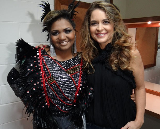Gaby Amarantos e Cláudia Abreu no camarim do Domingão (Foto: Domingão do Faustão / TV Globo)