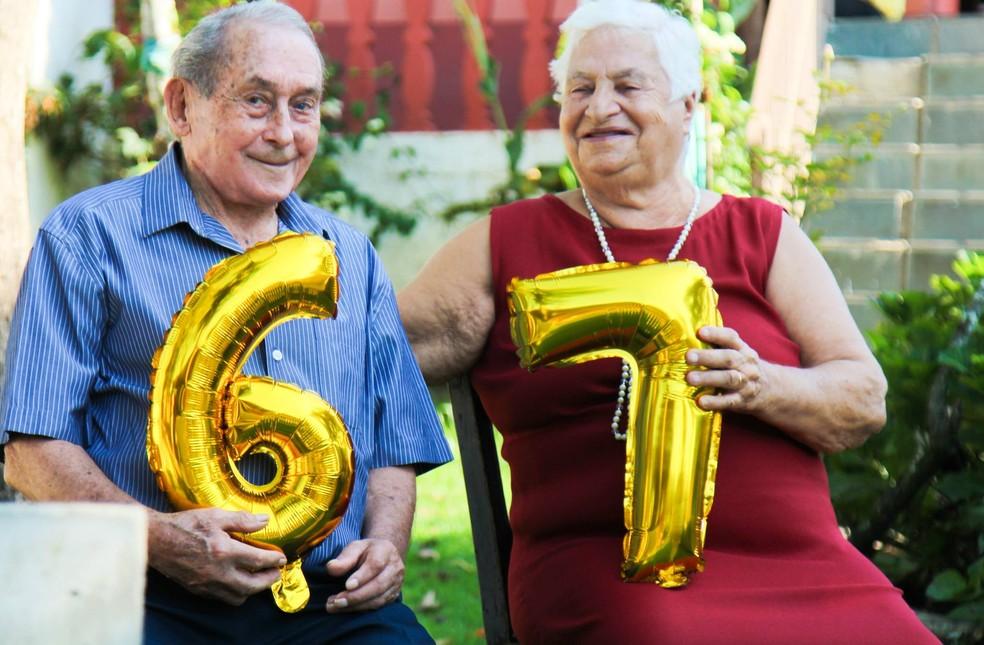 Manuel tem 89 anos, e Céu, 84.  Eles se conheceram em 1947, até casarem, em 1950. (Foto: Francilene Porto/Arquivo pessoal)