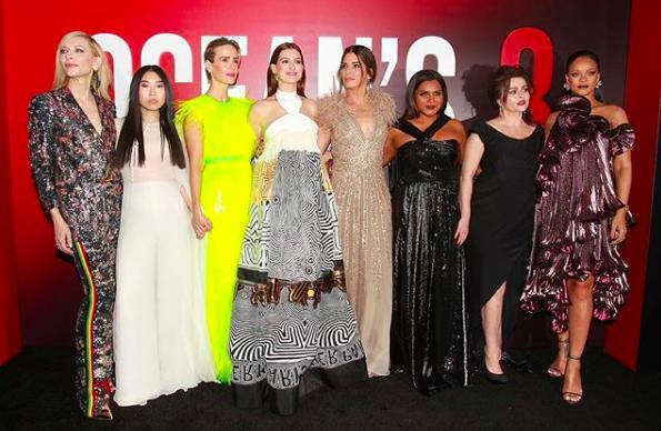 O elenco hiperestrelado de Oito mulheres e um segredo: além de Anne Hathaway, o time tem Sandra Bullock, Cate Blanchett, Rihanna e Helena Bonham-Carter (Foto: Reprodução / Instagram)