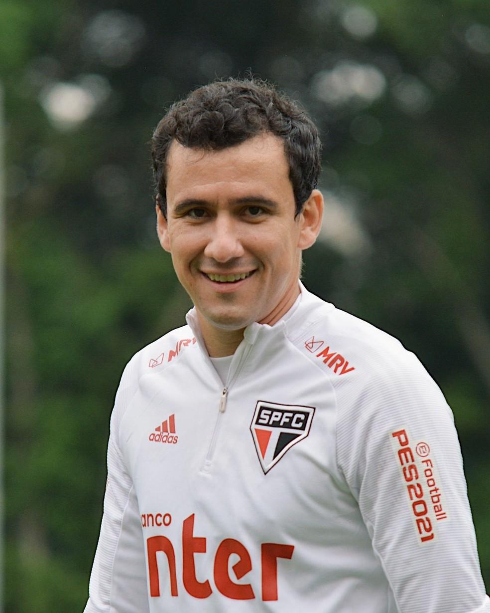Pablo em treino do São Paulo — Foto: Rubens Chiri / saopaulofc.net
