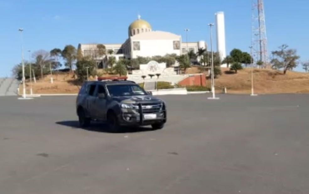 MP-GO deflagra operação que apura suspeita de irregularidades na Afipe, responsável pela Basílica de Trindade Goiás — Foto: Gabriel Garcia/TV Anhanguera