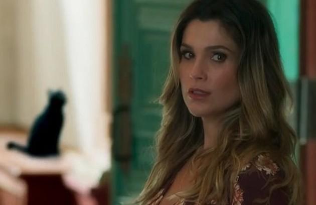No capítulo de quinta-feira (4), Rita de Cássia (Flávia Alessandra) encontrará Machado morto na delegacia (Foto: TV Globo)