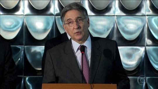 Fernando Pimentel é denunciado por suspeita de caixa 2