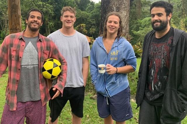 Pedro Novaes com o irmão, Diogo Novaes (à esquerda); o primo, Felipe Novaes, e o amigo Guilherme Fonseca (Foto: Arquivo pessoal)
