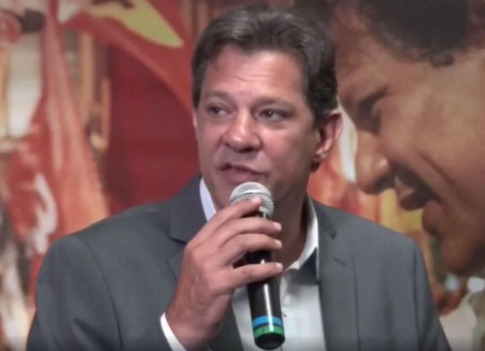 Fernando Haddad durante entrevista a jornalistas da imprensa internacional em São Paulo — Foto: Reprodução