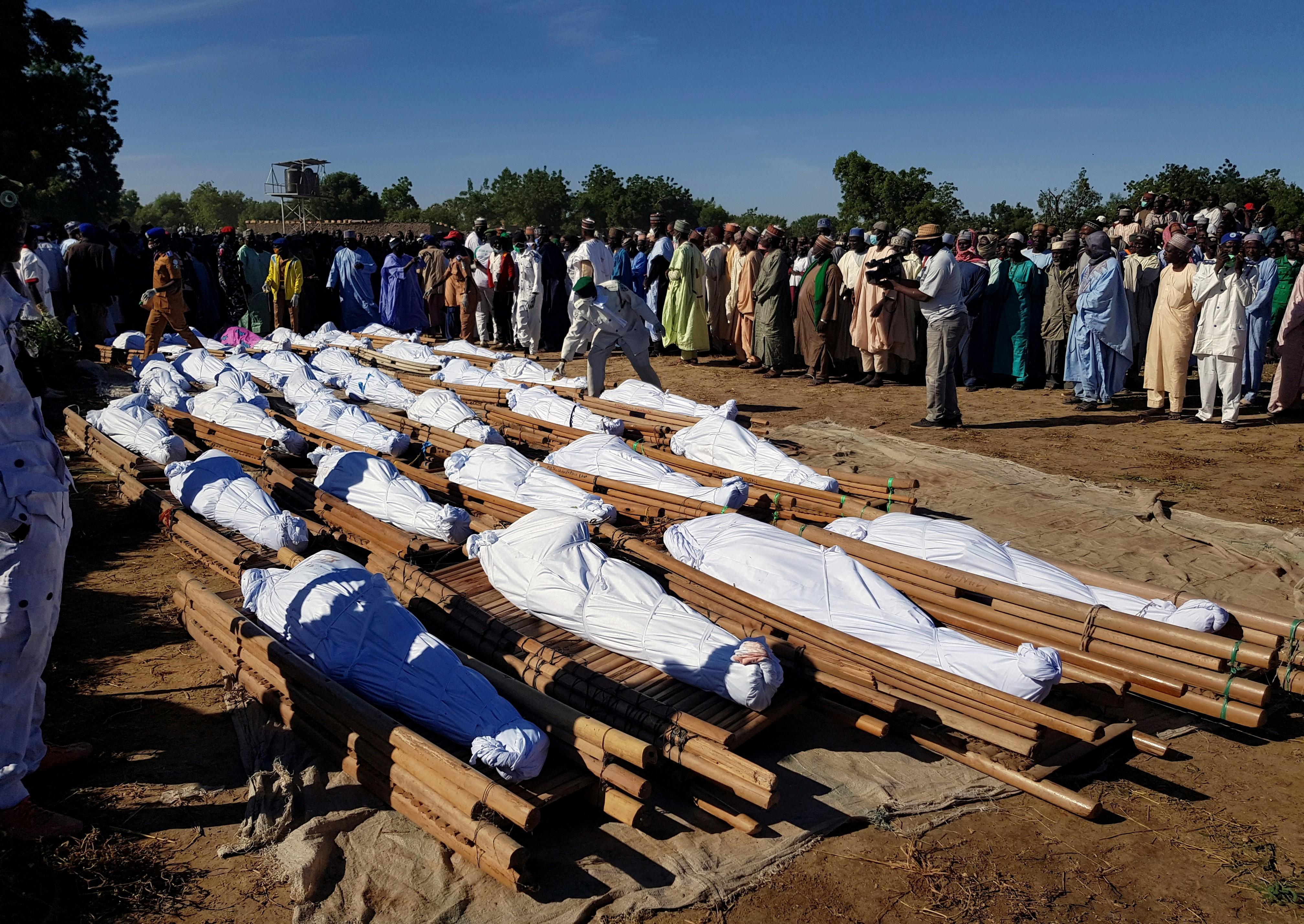 Papa condena 'horrores' na Nigéria após massacre de 110 civis