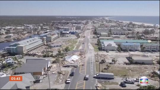 Dezenas de pessoas continuam desaparecidas em consequência da passagem do furacão Michael
