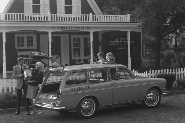 1600 Squareback Sedan, primeira perua produzida pela VW, em 1966 (Foto: Divulgação)