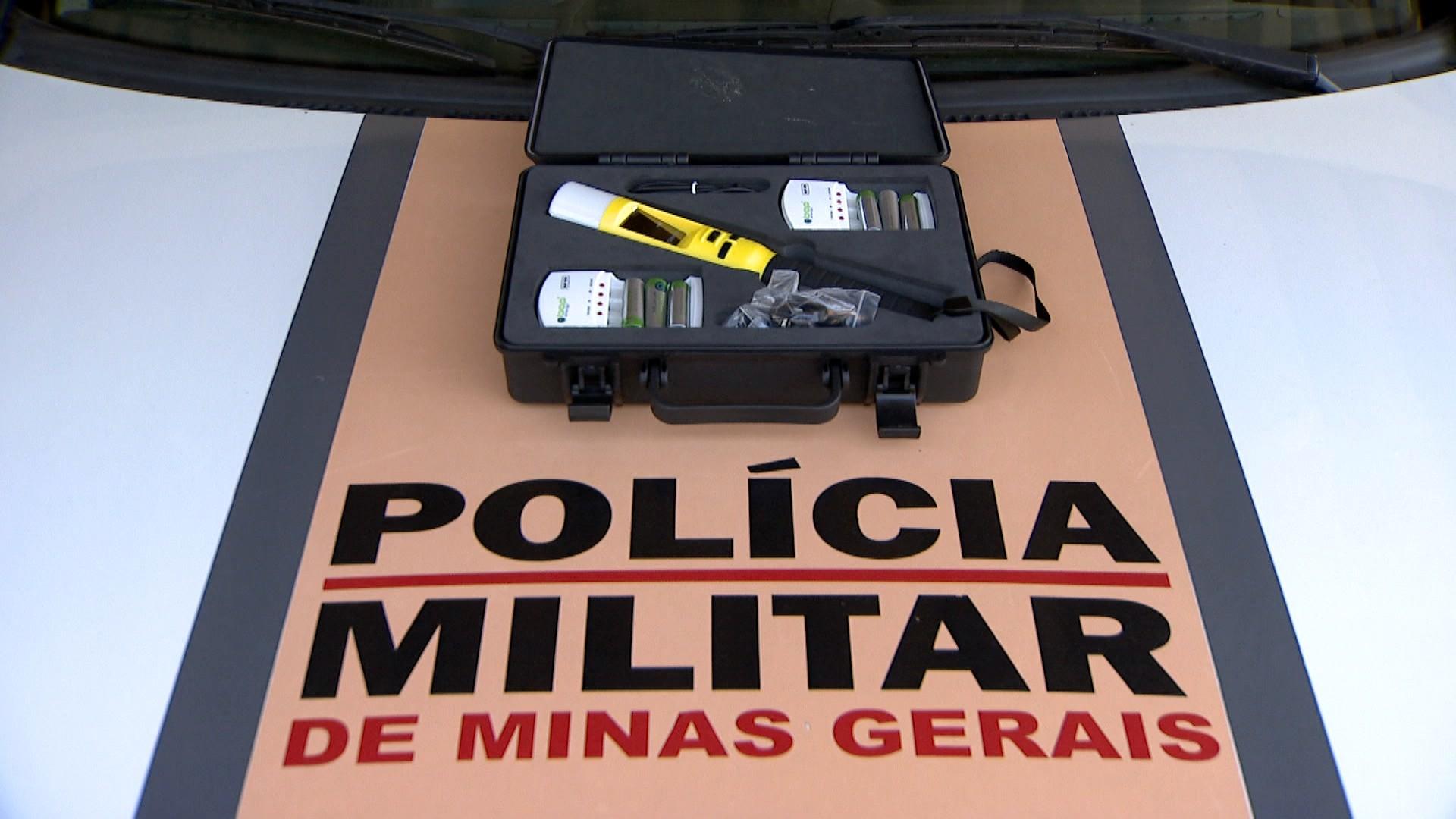 Polícia Militar Rodoviária em Uberlândia recebe bafômetro que detecta presença de álcool à distância