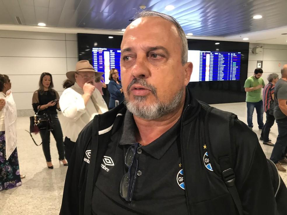 Médico Paulo Rabaldo falou sobre a situação dos jogadores — Foto: Tomás Hammes/GloboEsporte.com