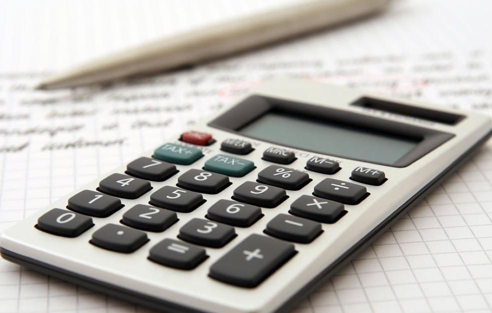 Calculadora e caderno (Foto: BCredi)