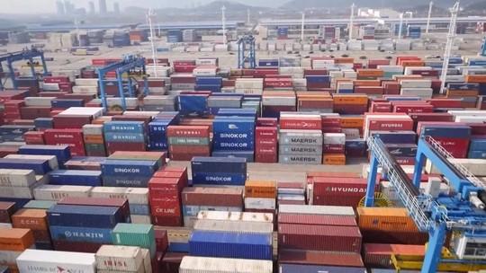 Donald Trump aumenta tarifas contra a China na guerra comercial