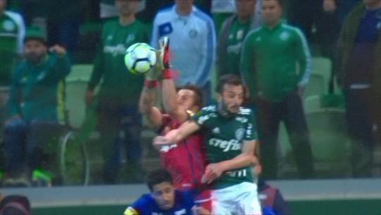 """Leonardo Gaciba considera gol do Palmeiras legal: """"Goleiro não é intocável"""""""