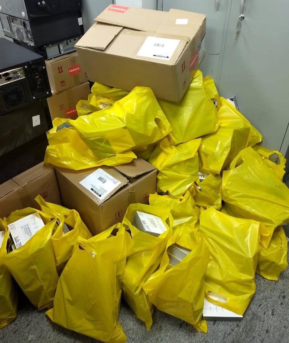 Material apreendido pela Polícia Civil do DF na 5ª fase da operação que investiga esquema que ficou conhecido como 'máfia das próteses' — Foto: PCDF/Divulgação