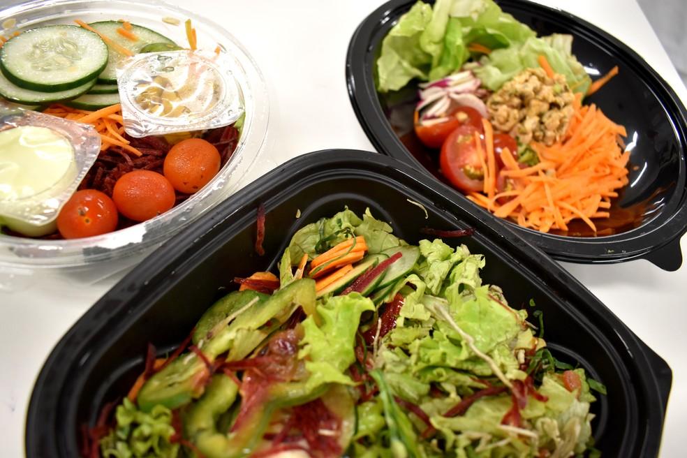 Saladas de delivery e fast foods foram analisadas em pesquisa de biomedicina em Campinas (Foto: Patrícia Teixeira/G1)