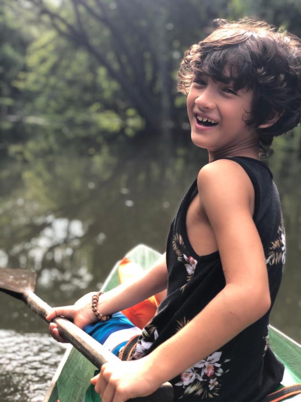 Dia de remar e se divertir! Filho de Danni Suzuki está com 8 anos — Foto: Arquivo Pessoal