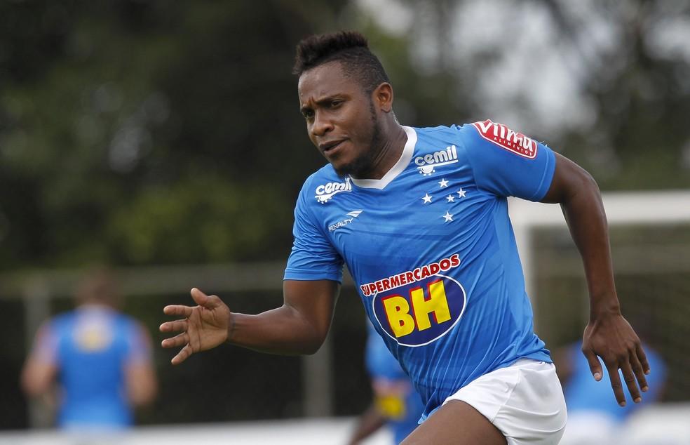 Willians jogou pelo Cruzeiro em 2015 — Foto: Washington Alves/Light Press