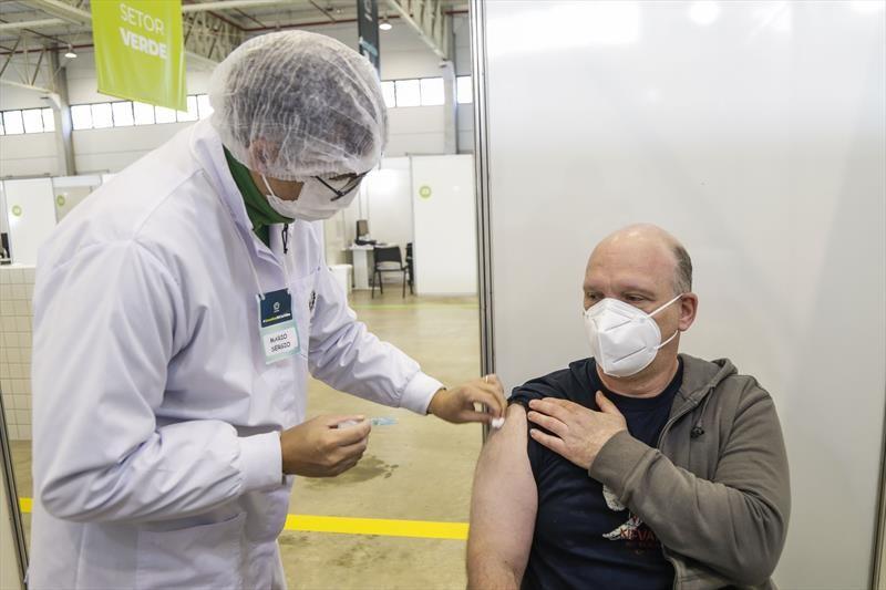 Prefeitura de Curitiba abre repescagem contínua da vacinação contra a Covid-19