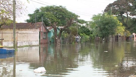Sobe para 95 o número de cidades em situação de emergência por causa da chuva no RS