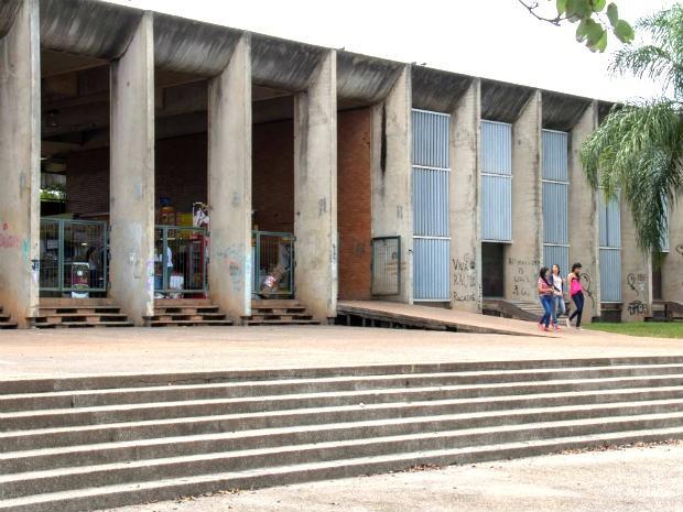 Entrada do Instituto Central de Ciências, na Universidade de Brasília (UnB) (Foto:  Luis Gustavo Prado/Divulgação)
