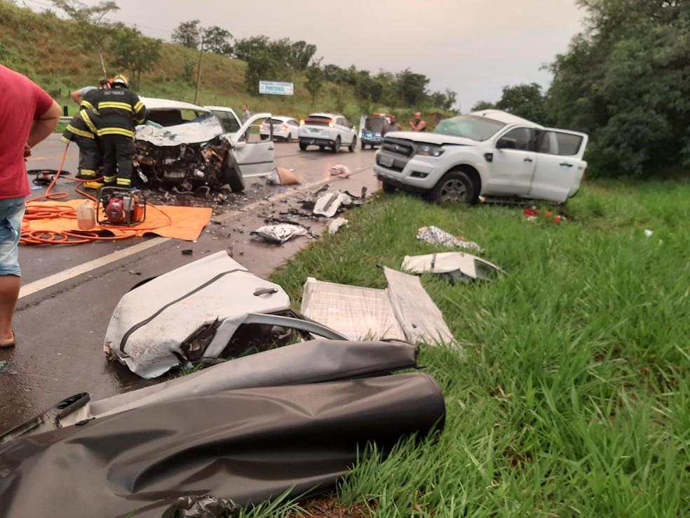 Segundo os bombeiros, chovia no momento do acidente em Quintana — Foto: Mais Tupã/Divulgação