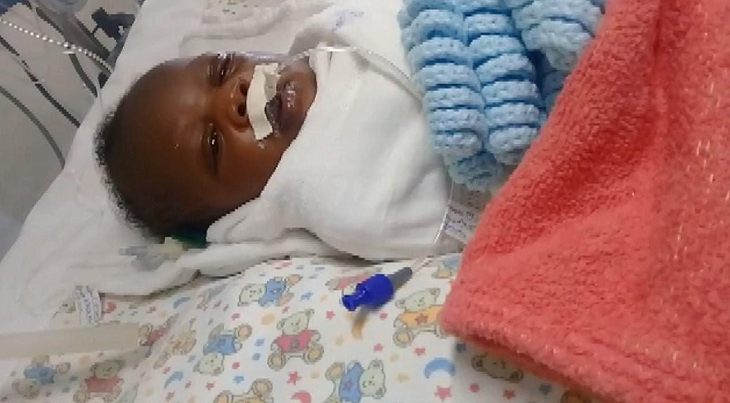Bebê recém-nascida em Rio Claro espera há mais de 1 mês por cirurgia urgente no coração - Notícias - Plantão Diário