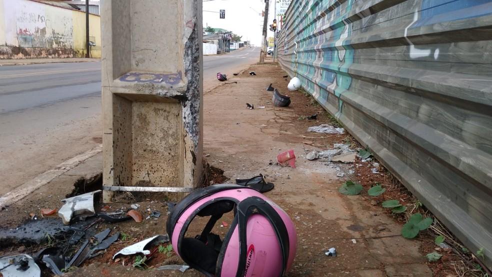 Homem perde controle de motocicleta, bate contra poste e morre em Rio Branco — Foto: Lidson Almeida/Rede Amazônica