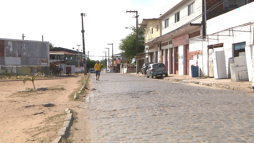 Crime aconteceu no início da tarde, no bairro do Renascer, em Cabedelo (Foto: Reprodução/TV Cabo Branco)
