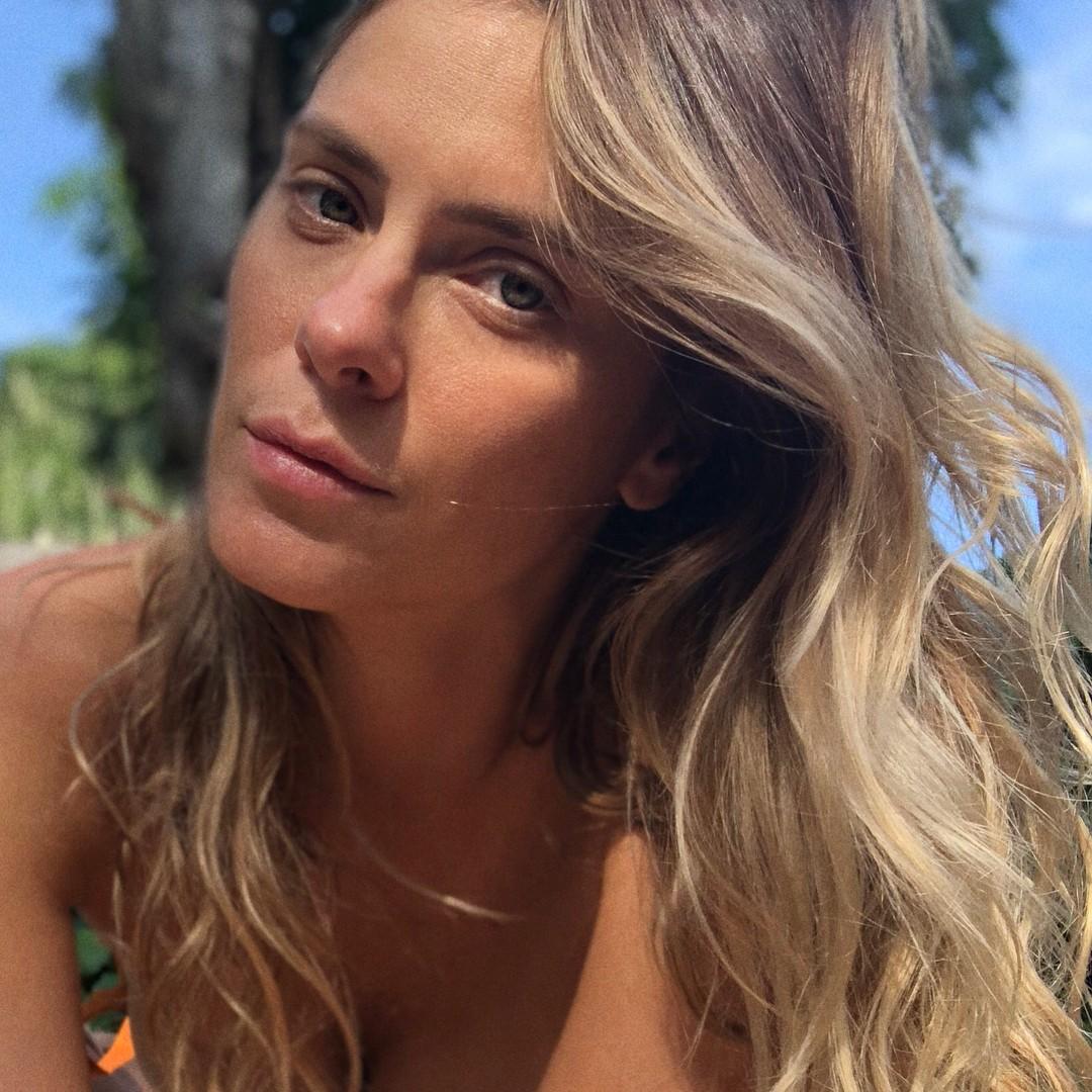 Carolina Dieckmann sem make (Foto: Instagram/Reprodução)