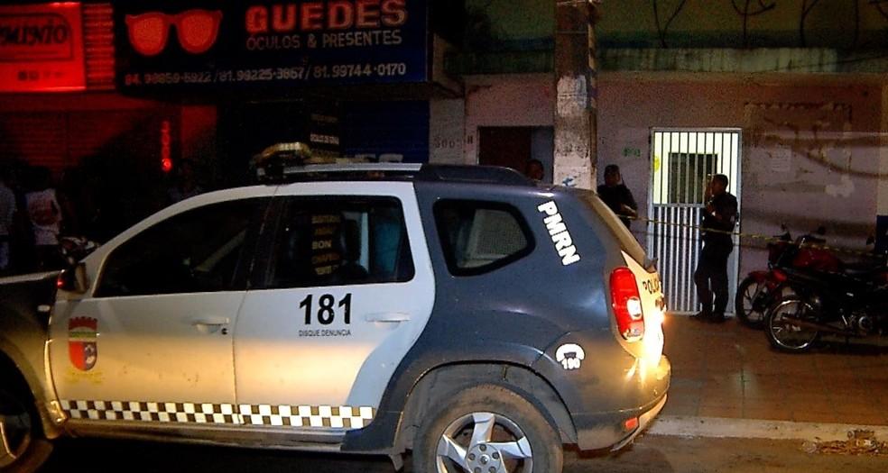 Dois jovens são mortos a tiros na Zona Norte de Natal — Foto: Reprodução Inter TV Cabugi