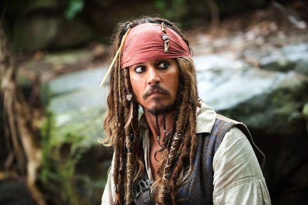O ator Johnny Depp no papel do pirata Jack Sparrow (Foto: Reprodução)