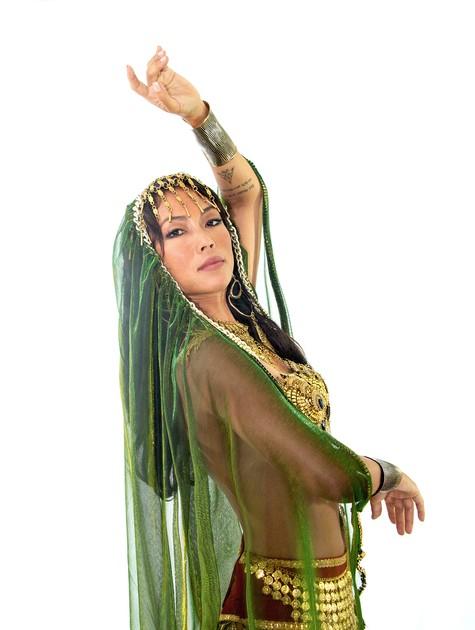Danni Suzuki caracterizada como Salomé (Foto: Cris Santos)