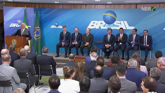 Novos ministros da Saúde e dos Transportes tomam posse em Brasília