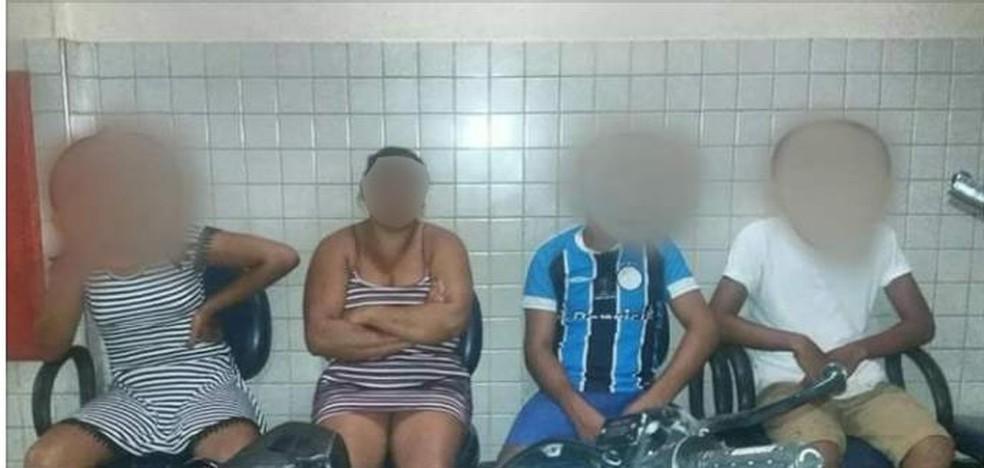 Uma mulher e três adolescentes foram flagrados com drogas em boca de fumo na cidade de Santarém — Foto: Marcello Silva/Arquivo pessoal