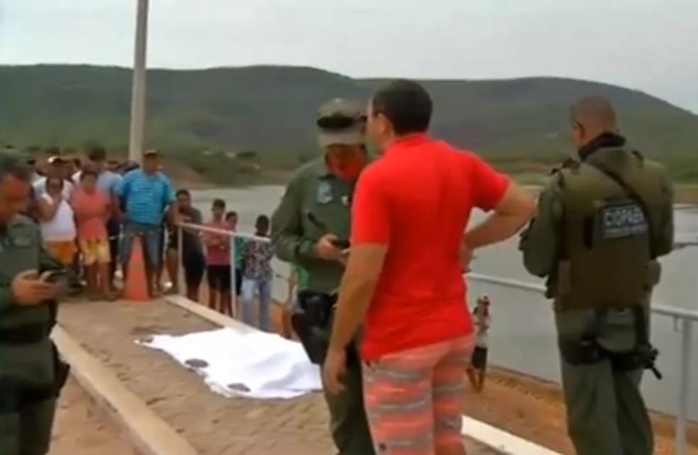 Prefeito foi assassinado enquanto caminhava à beira de açude em Granjeiro — Foto: TV Verdes Mares/Reprodução