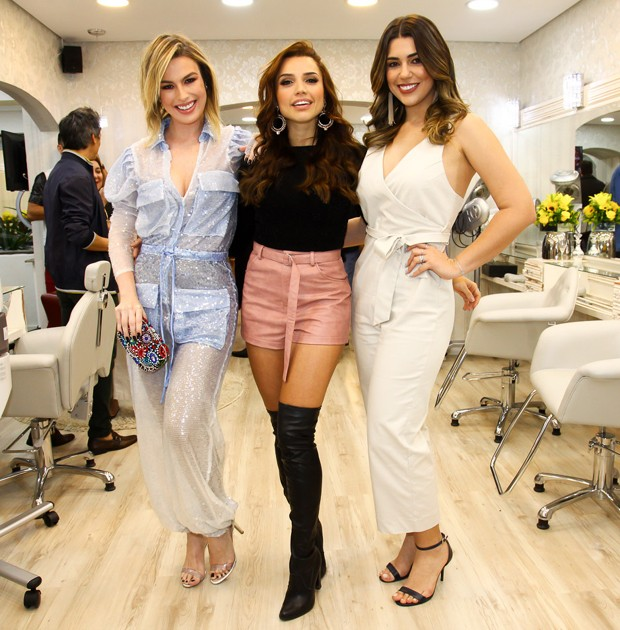 Fernanda Keulla, Paula Barbosa e Vivian Amorim (Foto: Marcos Ribas/Brazil News)