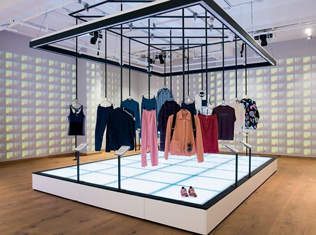 No museu da Fashion for Good, o consumidor aprende como contribuir para a moda sustentável  (Foto: Presstigieux)