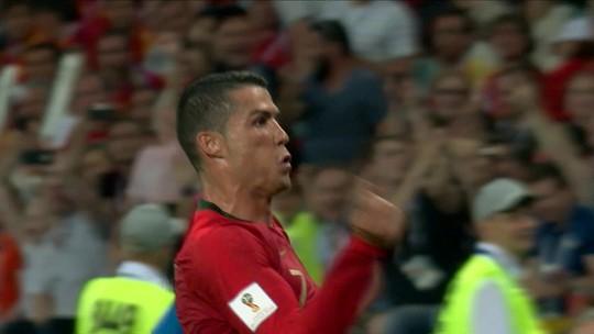 Sexta bola de ouro: início na Copa deixa Cristiano Ronaldo muito à frente de Messi